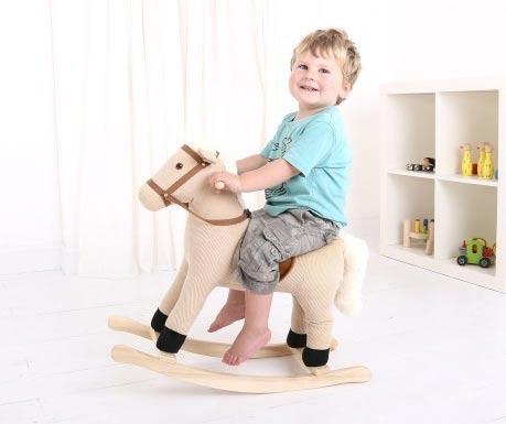 Nádherný houpací koník