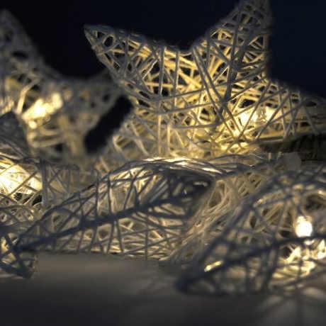 Levný vánoční řetěz svítící hvězdy